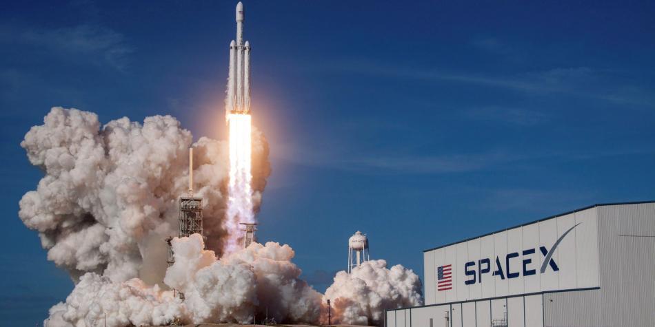 Las quejas de los astrónomos contra el Proyecto Starlink de Elon Musk