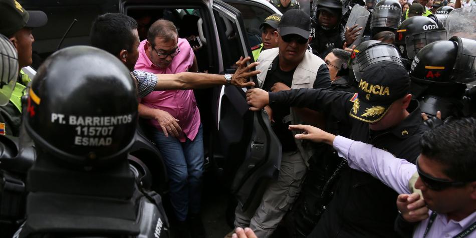 Resultado de imagem para timochenko abucheado en colombia