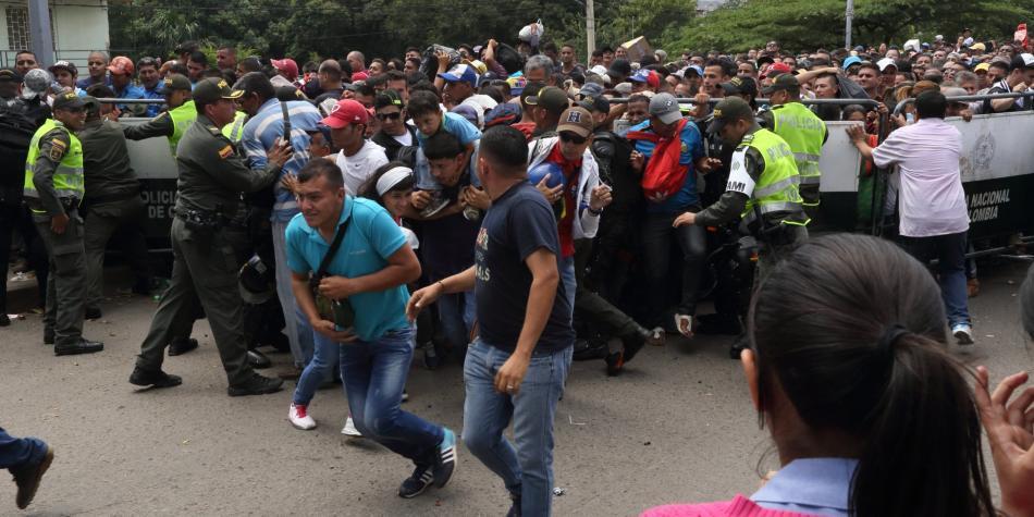 Venezolanos que huyen de su país