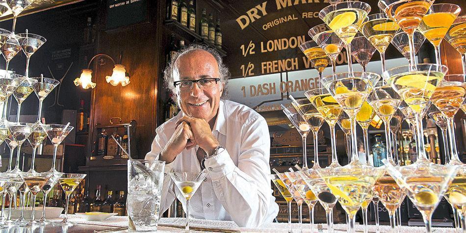 Javier de las Muelas, dueño de Dry Martini