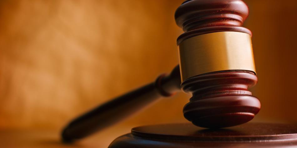 En pleno juicio, mujer defendió a ex novio que le disparó cinco veces