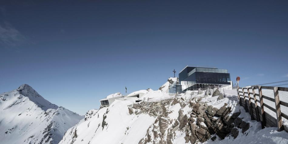 James Bond y su museo en Austria