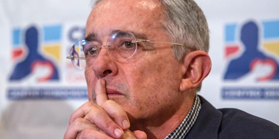 La curiosa respuesta de Uribe al caso de las visas de los magistrados