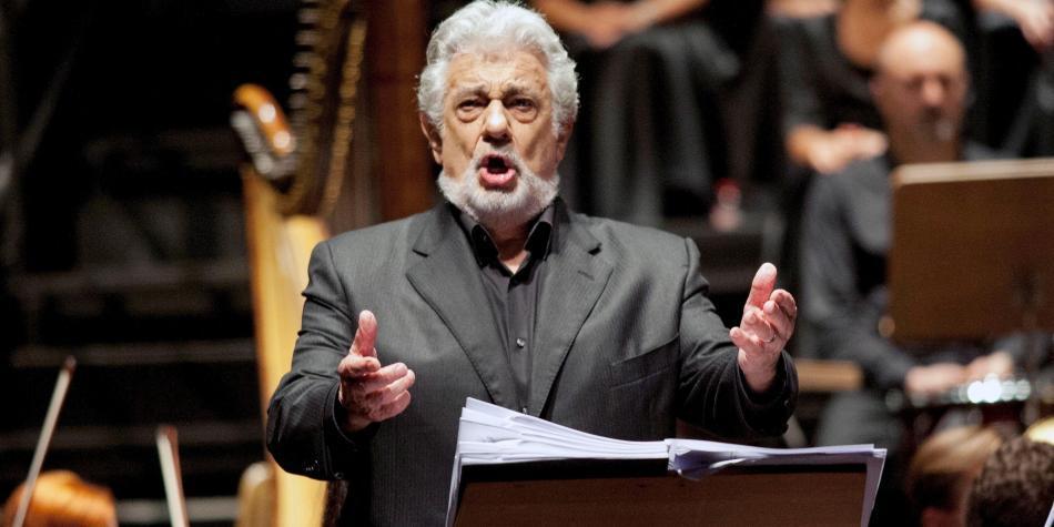 Plácido Domingo es acusado de acoso sexual por nueve mujeres