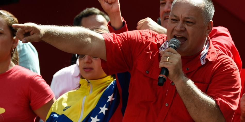 Revuelo por fotos de Guaidó con supuestos 'Rastrojos' en la frontera