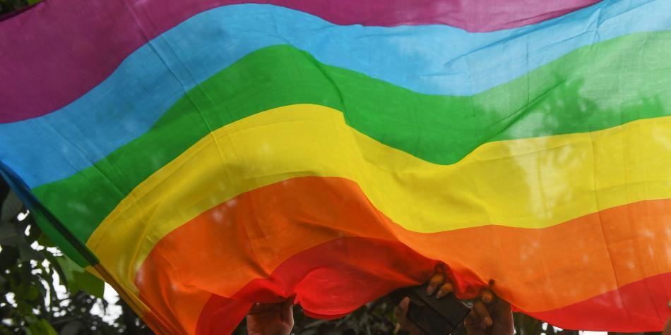 YouTube pide disculpas a comunidad LGBTQ por contenido homofóbico