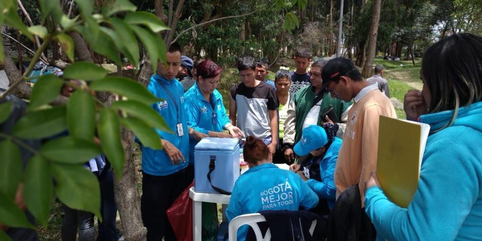 Vacunación de venezolanos en Bogotá