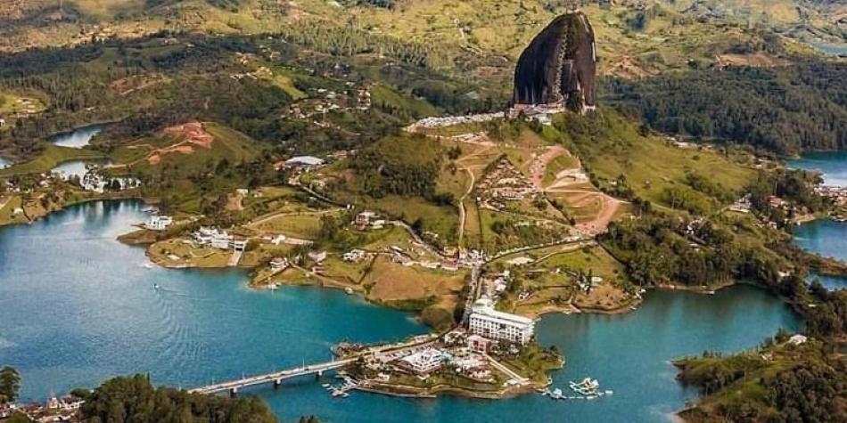 Dian ordena cierre de tres días a la Piedra del Peñol, en Antioquia