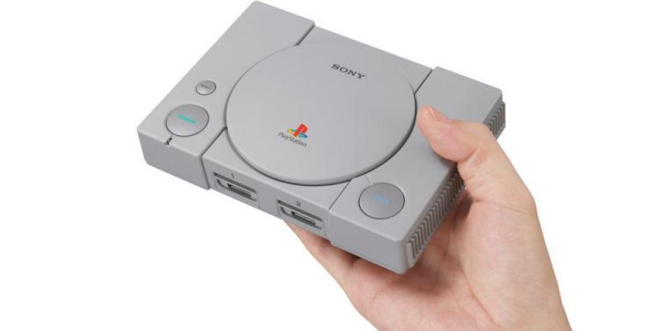 Probamos la versión 'retro' de la PlayStation clásica