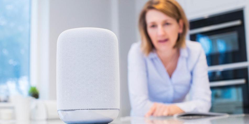 Alexa, Google Home y Siri podrían ser hackeados con un rayo láser