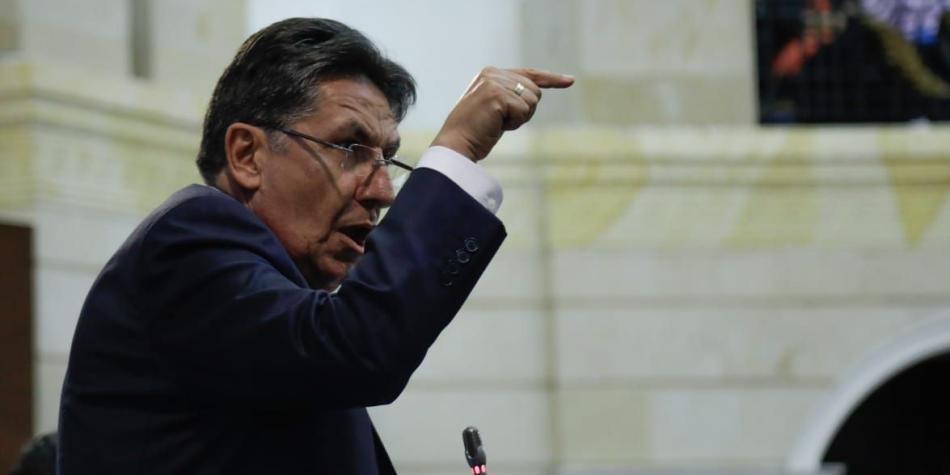 Néstor Humberto Martínez habló por más de dos horas en el debate de control político sobre Odebrecht.