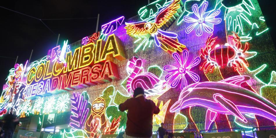 Fotos De Colombia En Navidad.Los Alumbrados De Medellin 2018 Estan Listos Para Brillar En