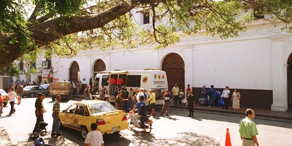 Aspectos del casco urbano en el centro de Cartago.