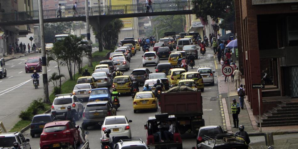 Asamblea pide estrategia para que carros 'foráneos' tributen en Valle