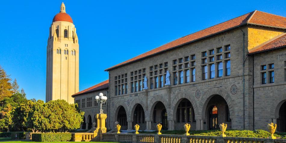 Universidad de Stanford anuncia becas y ayudas a estudiantes latinos