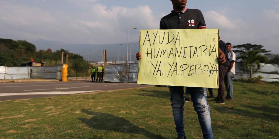 'Estamos mal': venezolanos ansían la llegada de ayuda desde Colombia