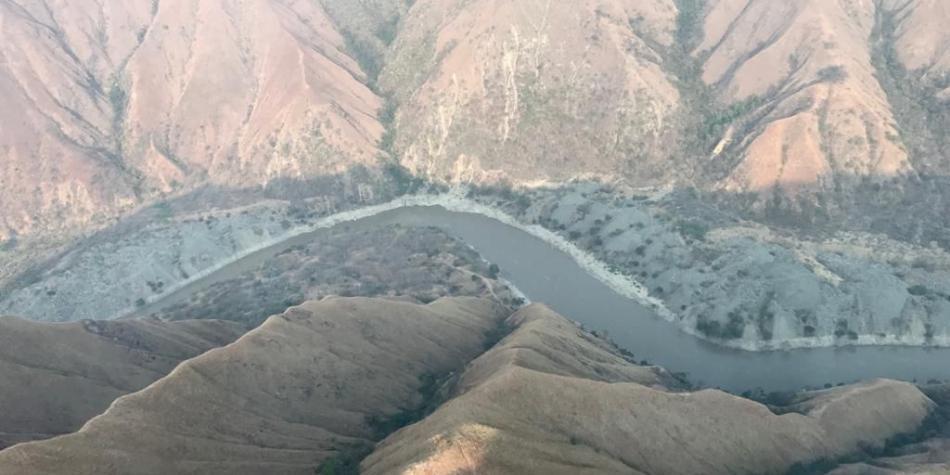 Las imágenes del drástico descenso del caudal del río Cauca