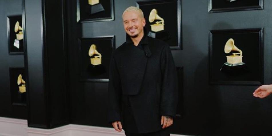 La noche en que J Balvin abrió los Grammy