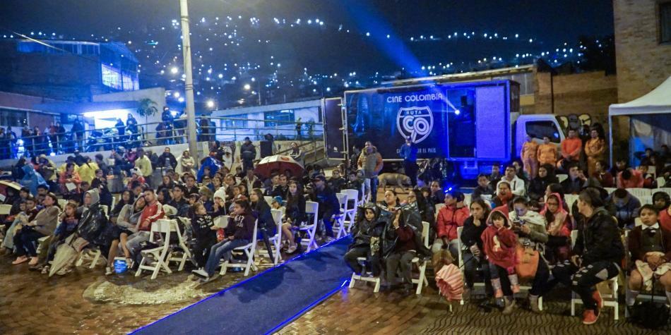 Cine Colombia recibe premio por su iniciativa 'Ruta 90'