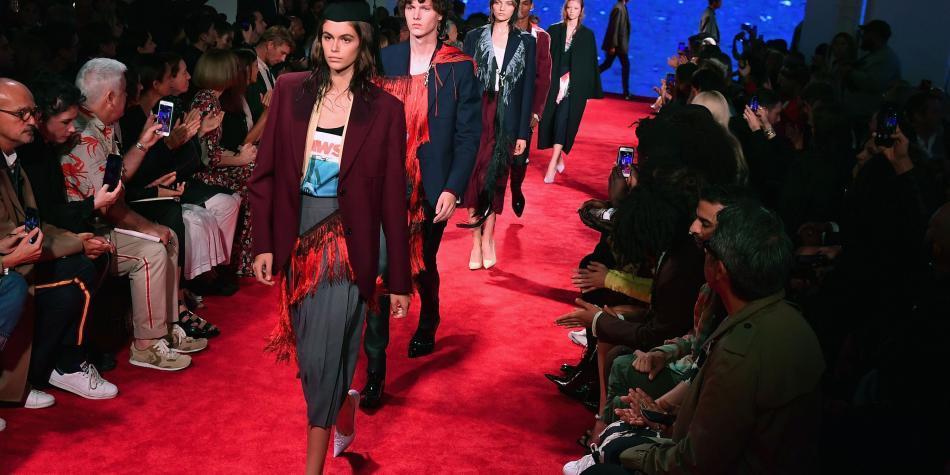 Calvin Klein abandona la alta costura