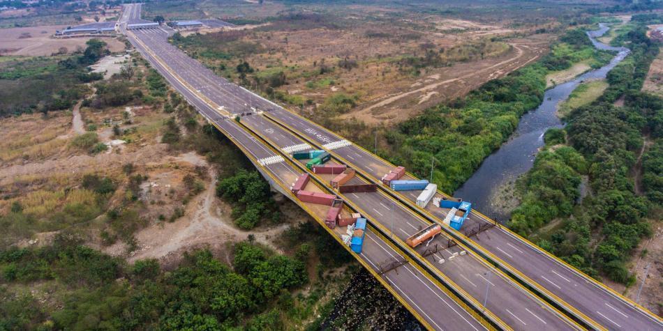 Así bloqueó Nicolás Maduro el puente internacional Tienditas