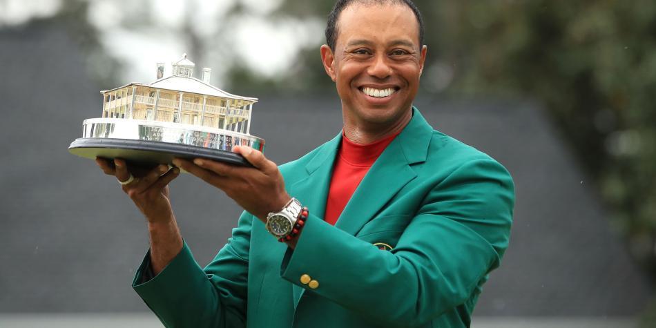 Presidente del COI animó a Tiger Woods a estar en Tokio-2020
