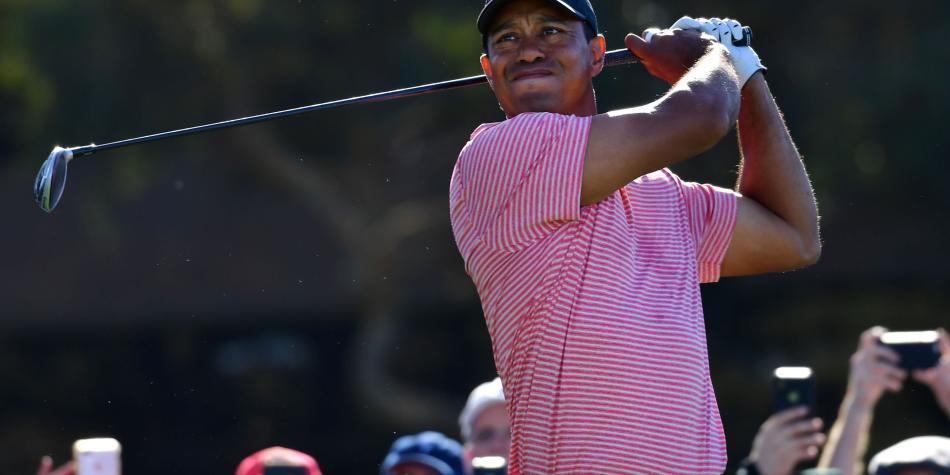 Demandan a Tiger Woods y a un 'caddie' por incidente en un torneo