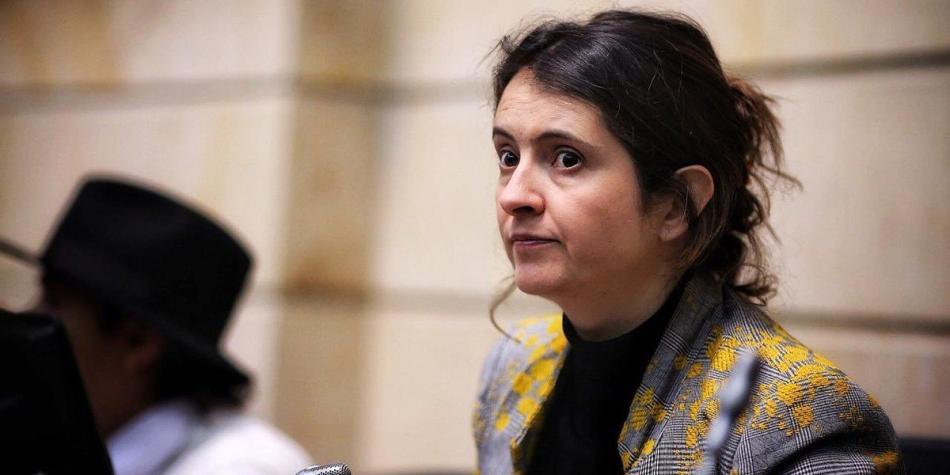 Ocurrencia de la hija de Paloma Valencia en entrevista sobre maltrato