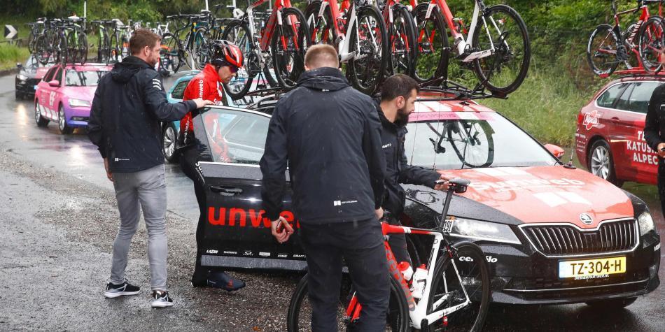 ¿A quién beneficia el retiro de Dumoulin en el Giro?
