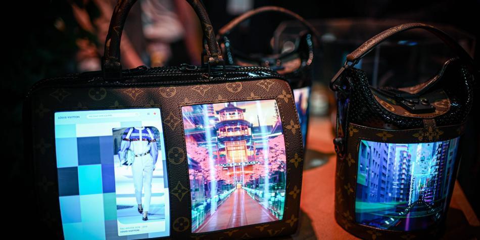 Así lucen los bolsos de lujo hechos con pantallas plegables