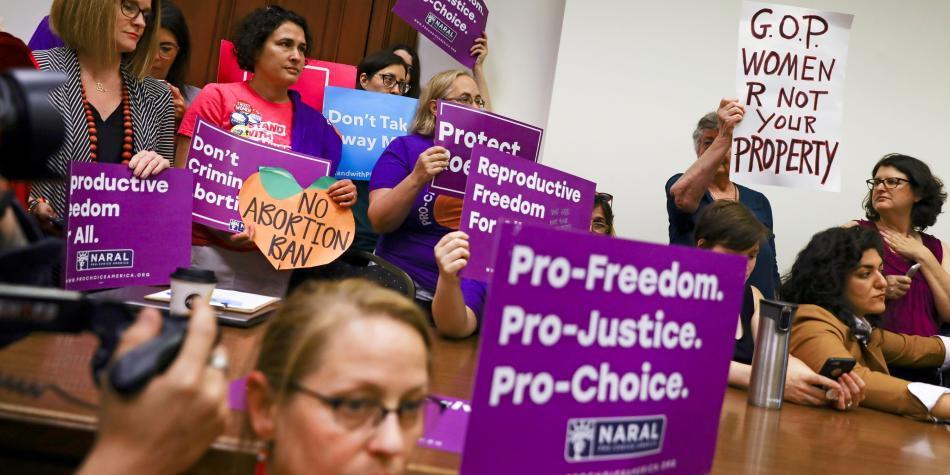 La ofensiva contra la legalidad del aborto en EE. UU.