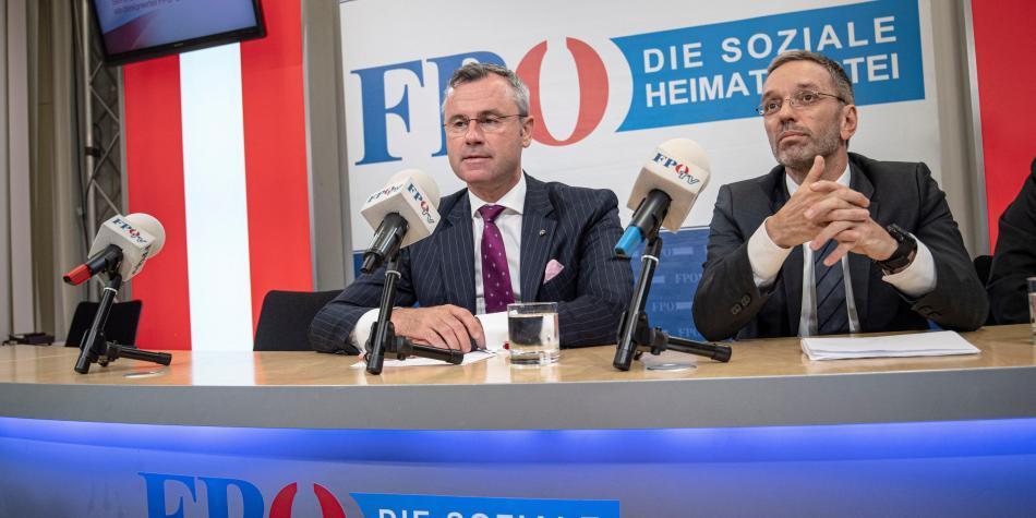 Escándalo sacude a Austria y ministros de ultraderecha renuncian