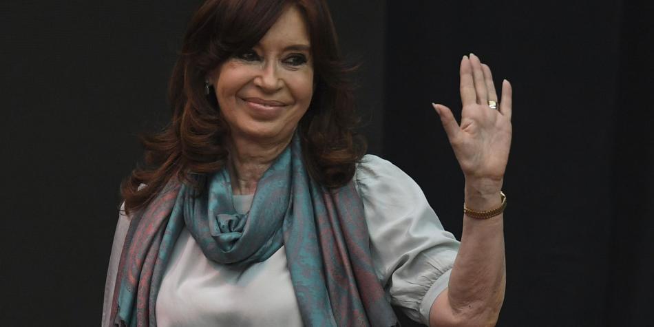 Cristina de Kirchner se sienta en el banquillo de los acusados