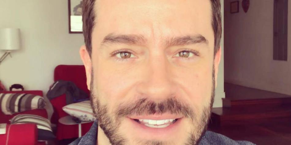 Actor Juan Pablo Espinosa publica video en el que confiesa que es gay