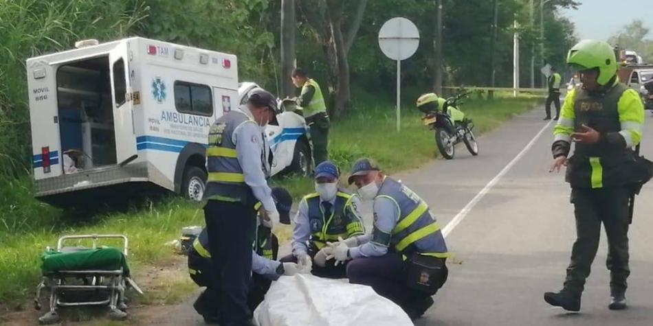 Mujer muere tras choque de dos ambulancias en la vía Ibague-Picaleña