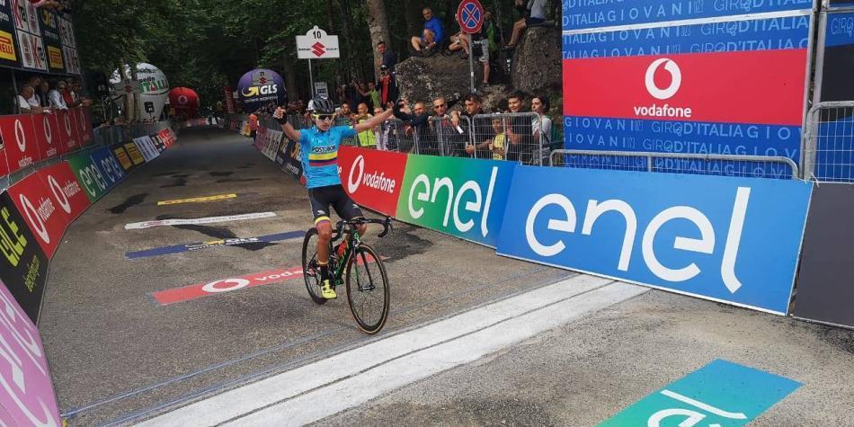Espectacular moñona de Colombia en el Giro de Italia Sub-23