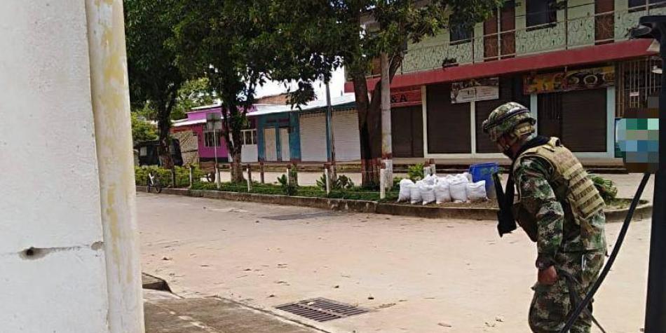 Desactivan artefactos explosivos cerca del aeropuerto de La Macarena