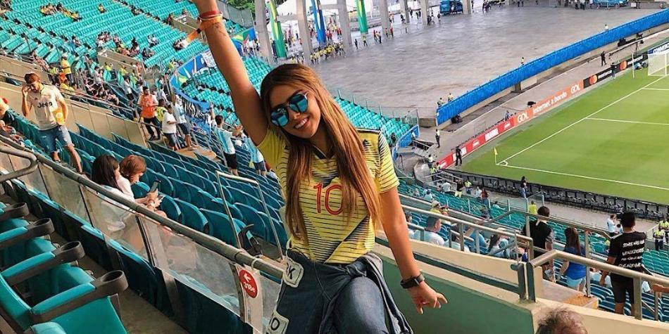 ¿De qué se esconde la hermana de James durante el partido de Colombia?