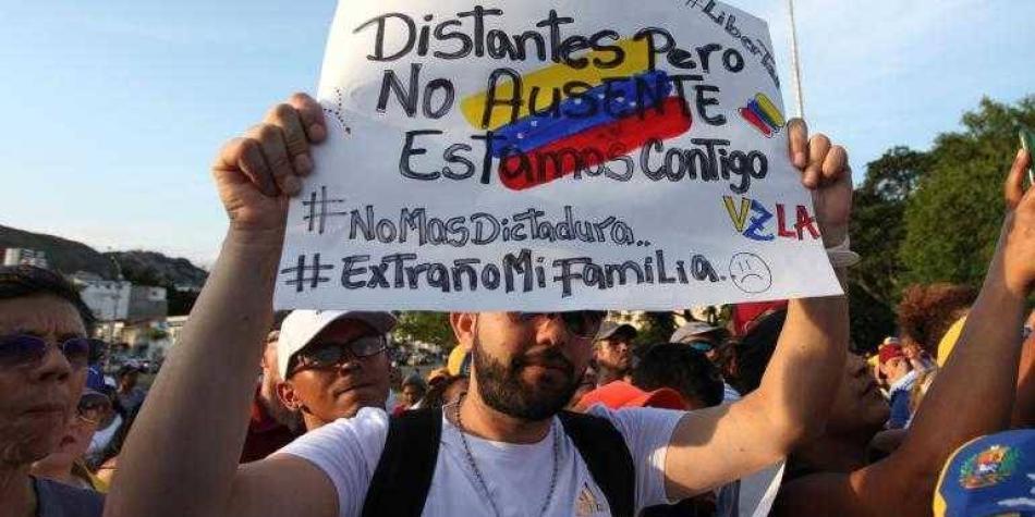 'La clave es dejar de ver a venezolanos como migrantes': Dilian Toro