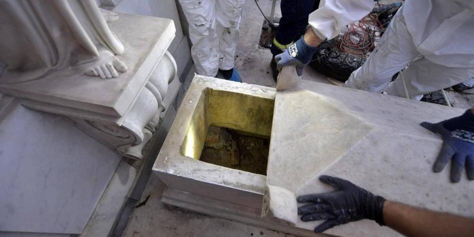 Continúa misteriosa desaparición tras abrir las tumbas del Vaticano
