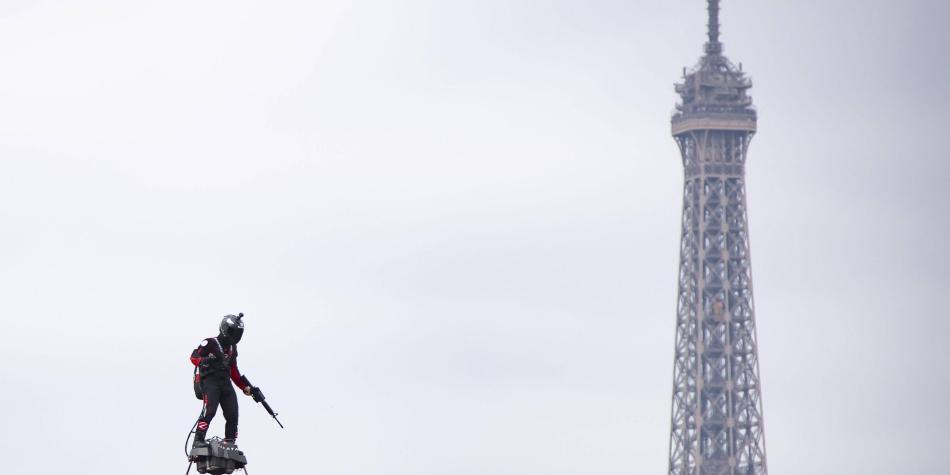 ¿Iron Man? ¿Duende Verde? La tecnología del hombre volador de París