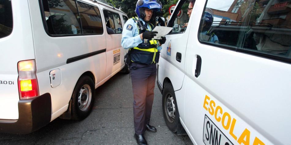 En Medellín deben más de un billón de pesos en multas de tránsito