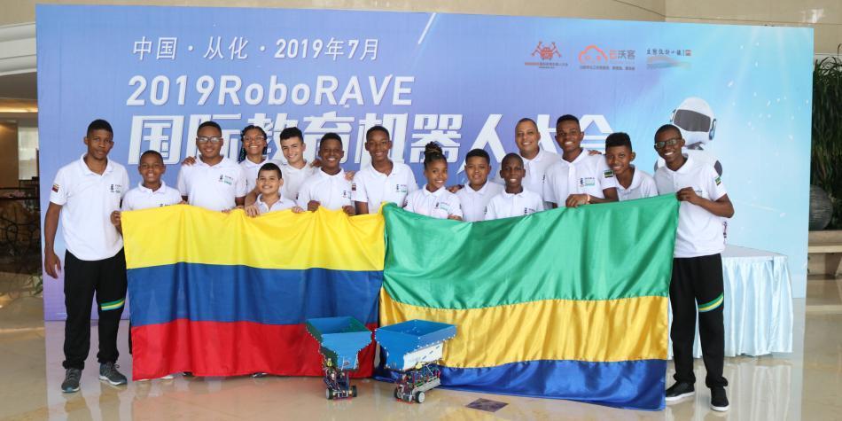 Niños de Chocó representan al país en mundial de robótica en China