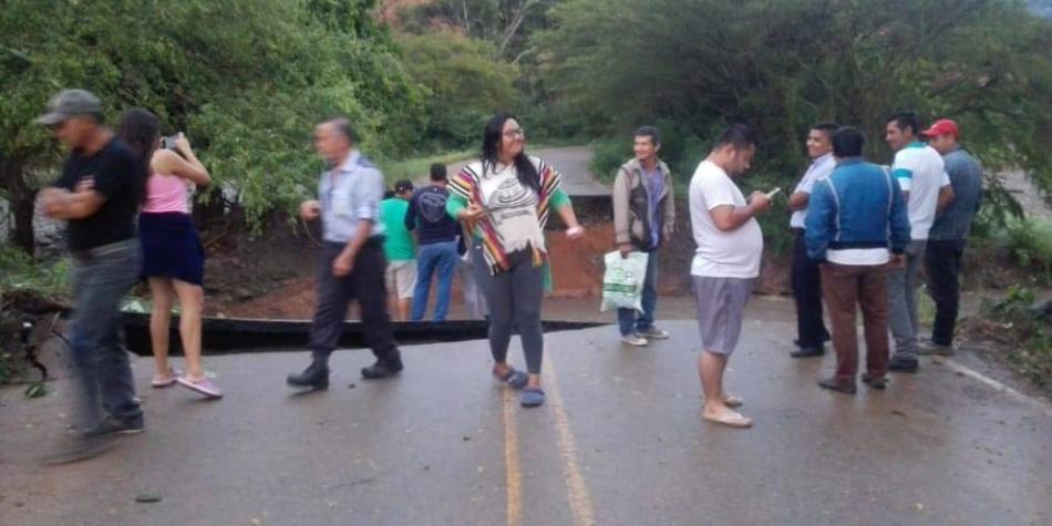 Avalancha causó estragos y tiene incomunicado a Colombia, Huila