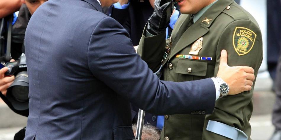 El patrullero que conmovió a Duque en el desfile del 20 de julio