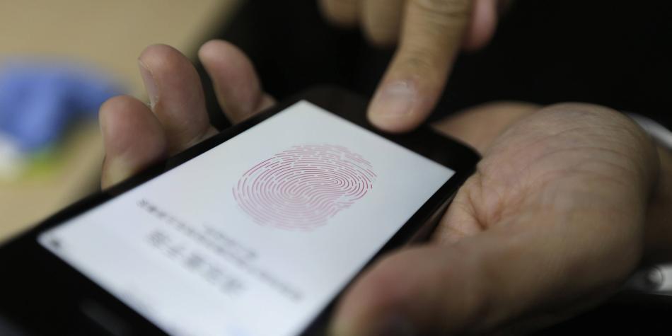 iPhone incluirá lector de huella dactilar en sus pantallas para 2020
