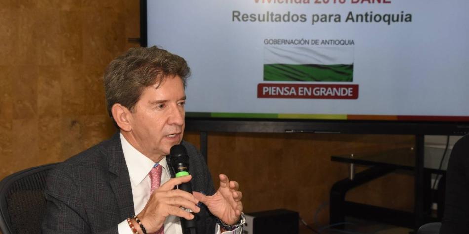 Luis Pérez propone sustituir cultivos de hoja de coca por marihuana