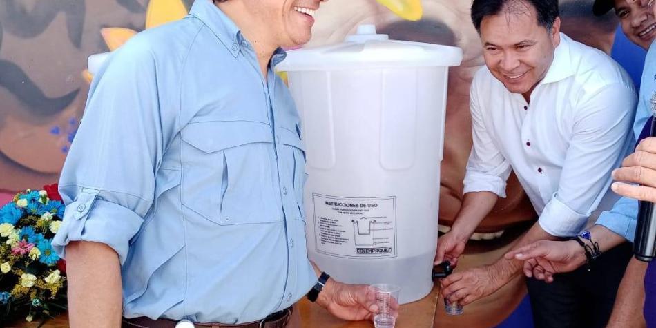 La comunidad a la que hizo feliz la llegada del agua
