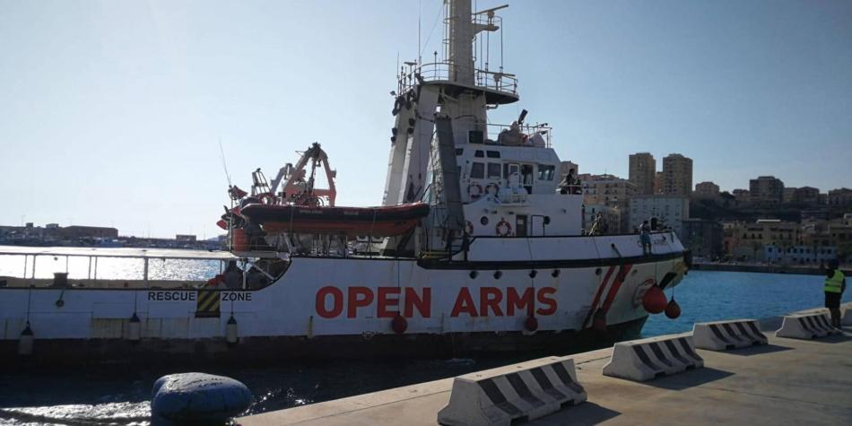 Italia inmoviliza al barco de rescate Open Arms por