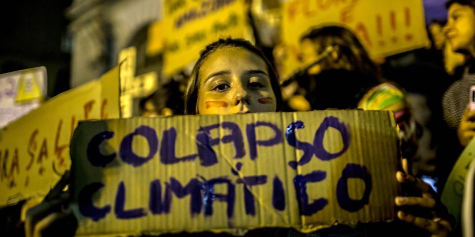 Bolsonaro autoriza a militares para luchar contra fuego en el Amazonas